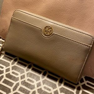 Tory Burch Continental Zip Wallet